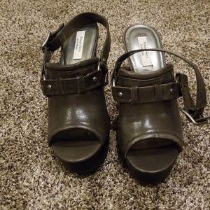 Simply Vera Vera Wang heels size 9
